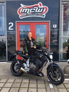 aflevering-yamaha-motorfiets-suzanne-mcw-2016