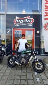 aflevering-yamaha-motorfiets-juli-mike-mcw