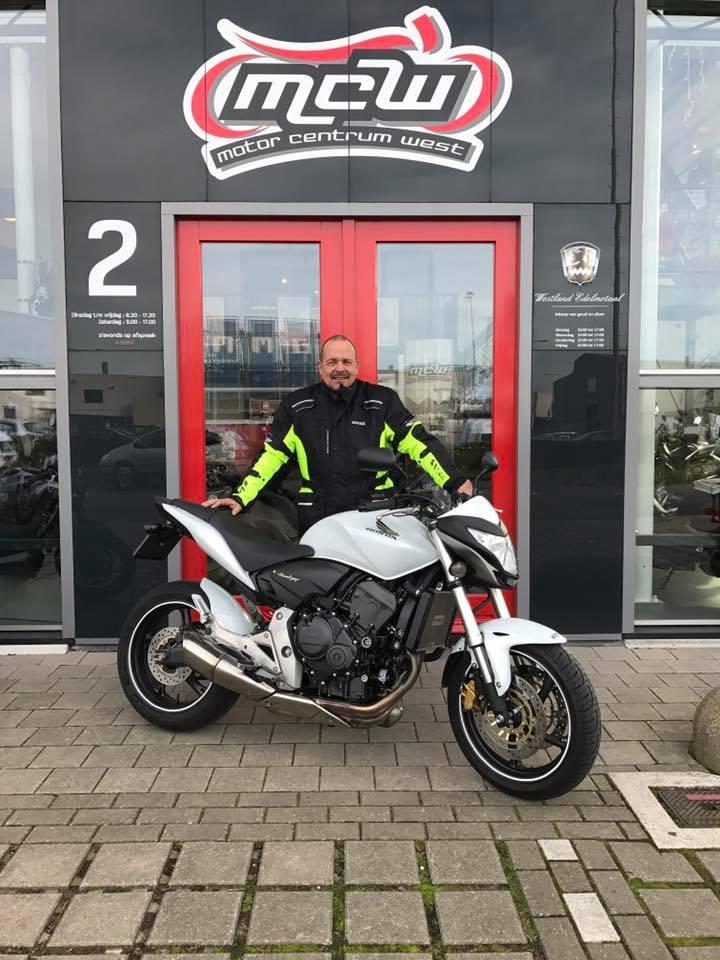 aflevering-motorfiets-richard-mcw-naaldwijk-2016