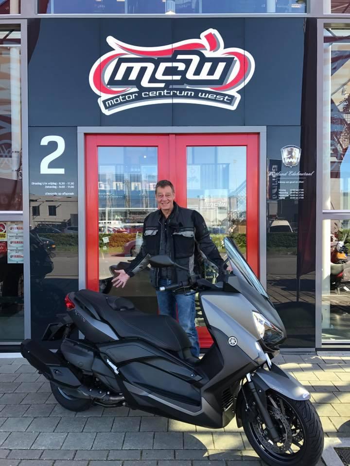 aflevering-yamaha-xmax-400-motorscooter-mcw-naaldwijk