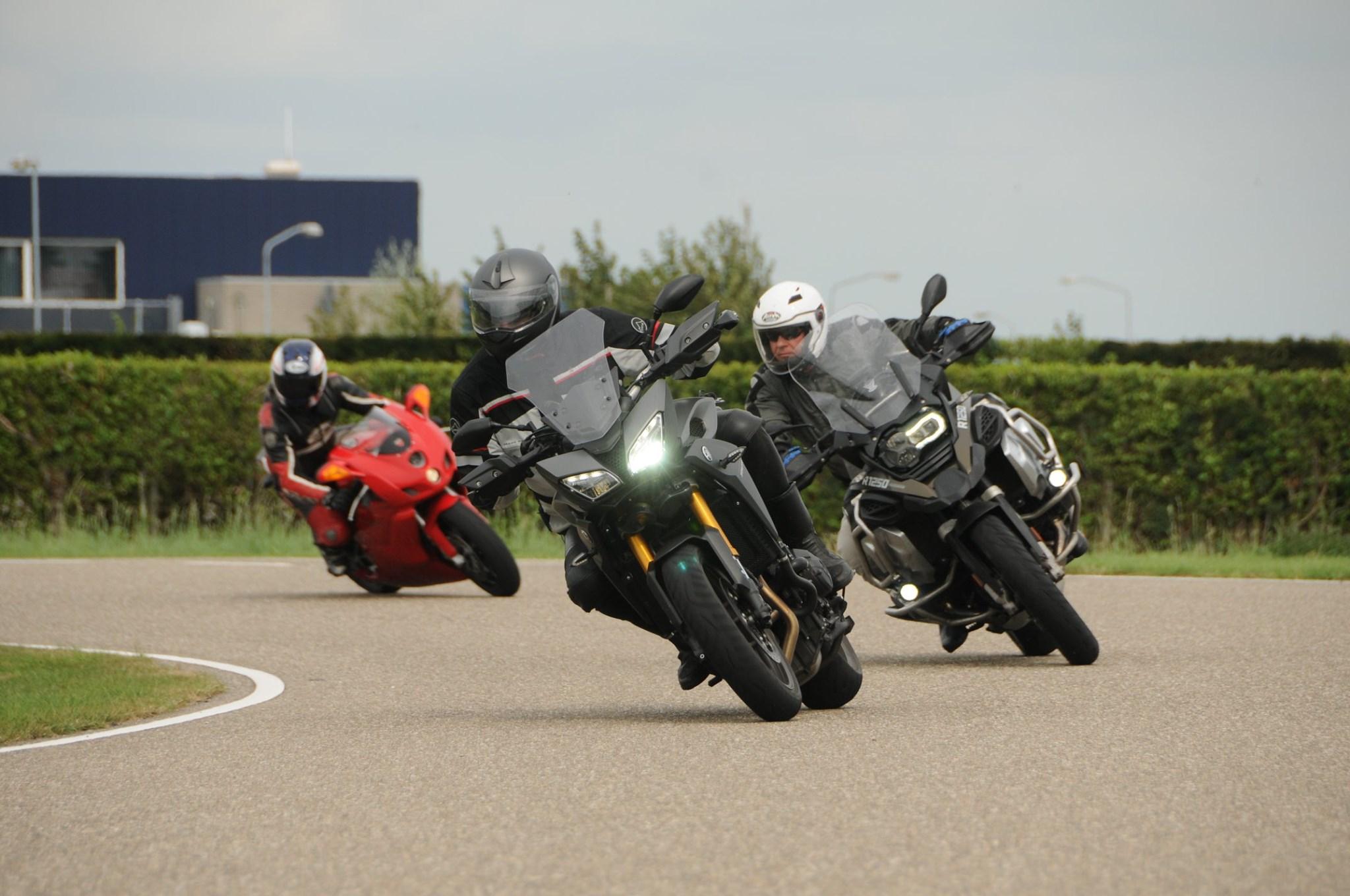 Motortrainingen Motorcursussen.nl   MotorCentrumWest